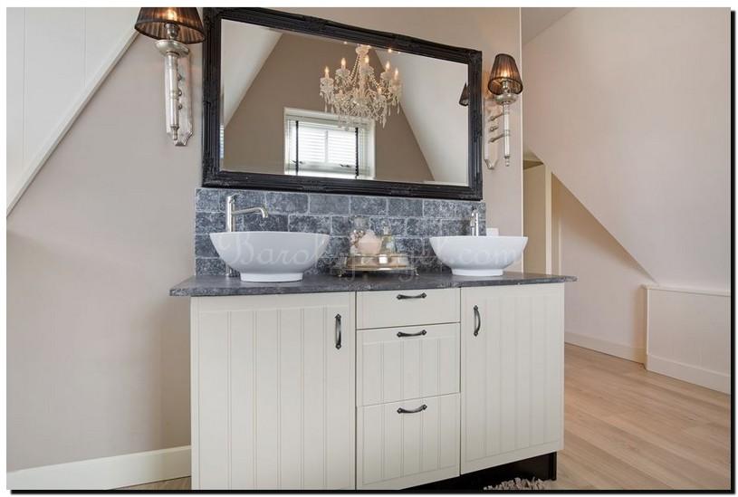 Zwarte mediterrane barok spiegel badkamer