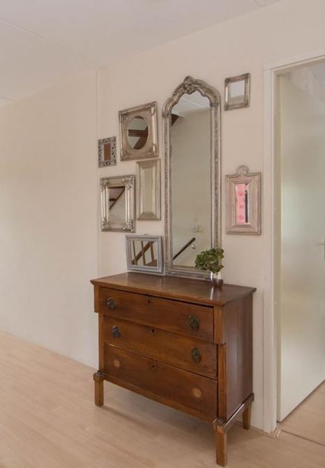 http://foto.barokspiegel.nl/blog/Meerdere-spiegels-bij-elkaar-hangen-groot-en-klein.jpg