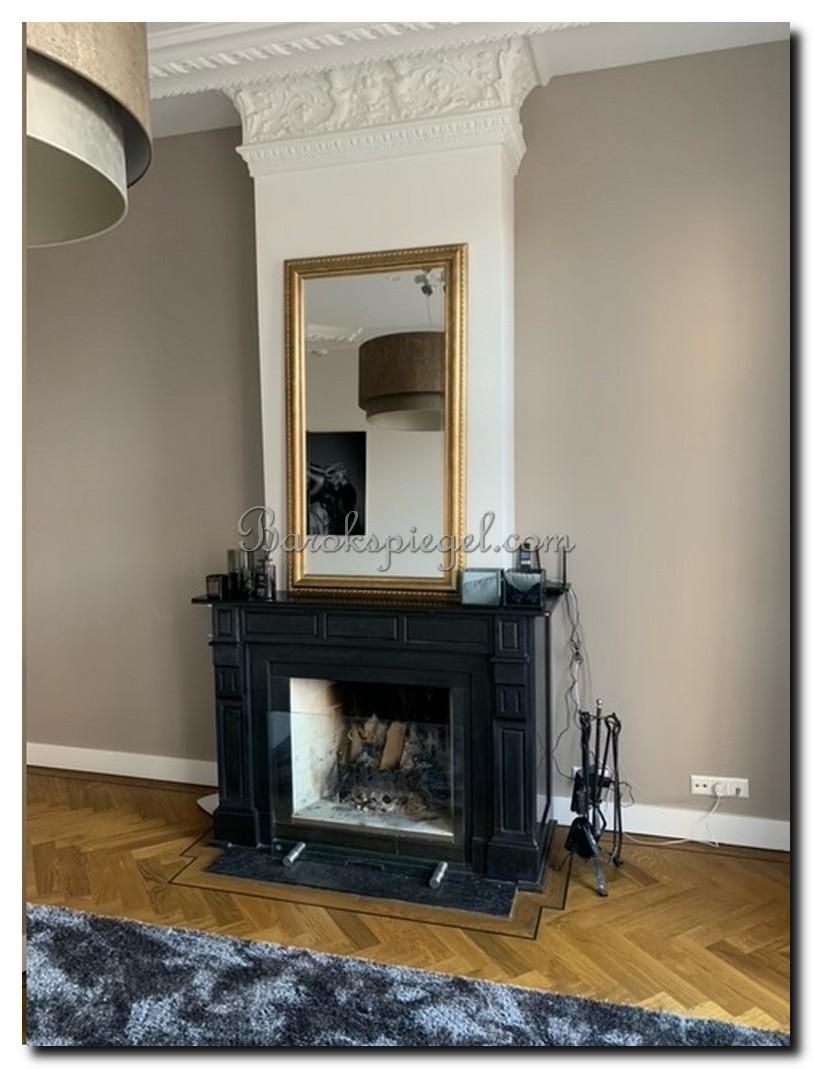http://foto.barokspiegel.nl/carlo/Exclusieve-klassieke-spiegel-op-zwrte-schouw-Carlo.jpg