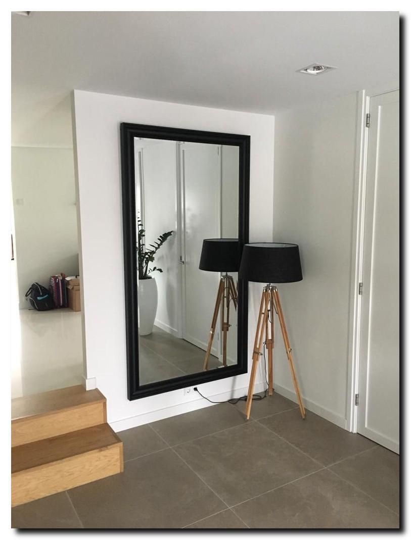 http://foto.barokspiegel.nl/edmundo/Grote-zwarte-spiegel-Essentials-Vinkenveen(1).jpg