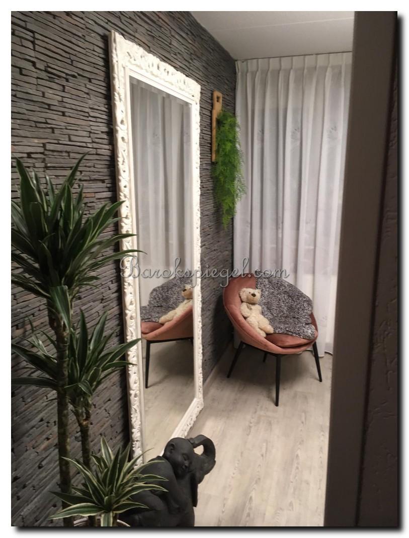 http://foto.barokspiegel.nl/francesco/Grote-vloerspiegel-shabby-white-in-botanische-slaapkamer.jpg