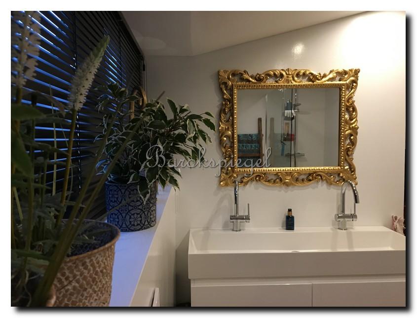 http://foto.barokspiegel.nl/liona/Mooie-spiegel-met-sierlijke-gouden-lijst.jpg