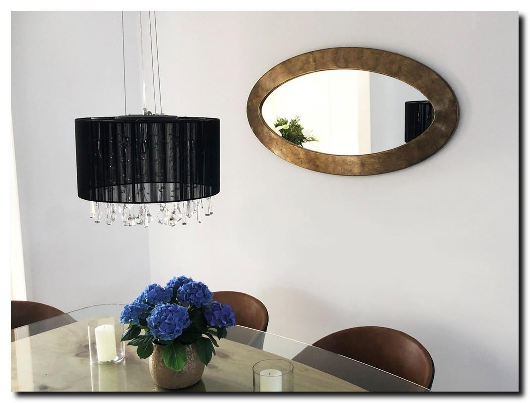 http://foto.barokspiegel.nl/oriana/Grote-ovale-spiegel-ei-vorm-antiekgoud-in-eetkamer-boven-eettafel.jpg