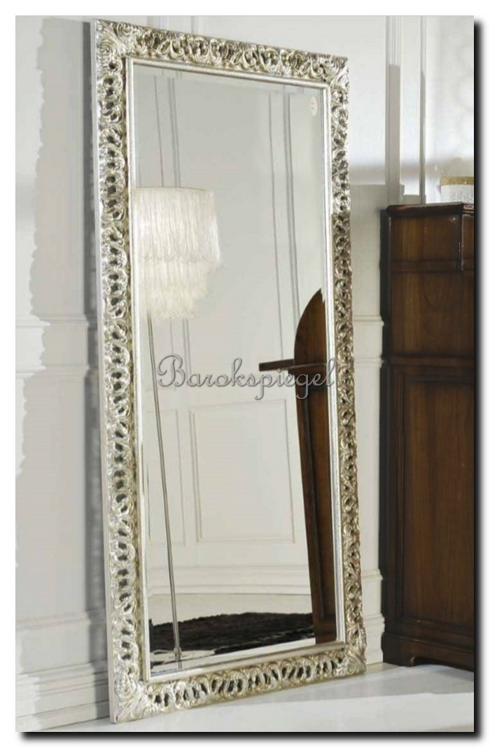 http://foto.barokspiegel.nl/paola/Grote-Italiaanse-spiegel-passpiegel-zilver-staand-op-de-vloer.jpg