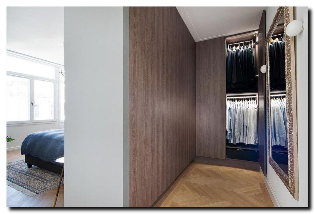 grote passpiegel design in kleedkamer dressing