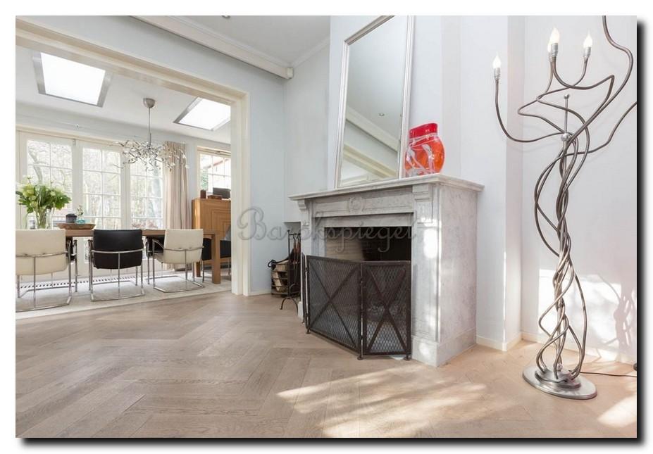 http://foto.barokspiegel.nl/tate/Basic-zilveren-maatwerk-spiegel-op-schouw-boven-open-haard.jpg