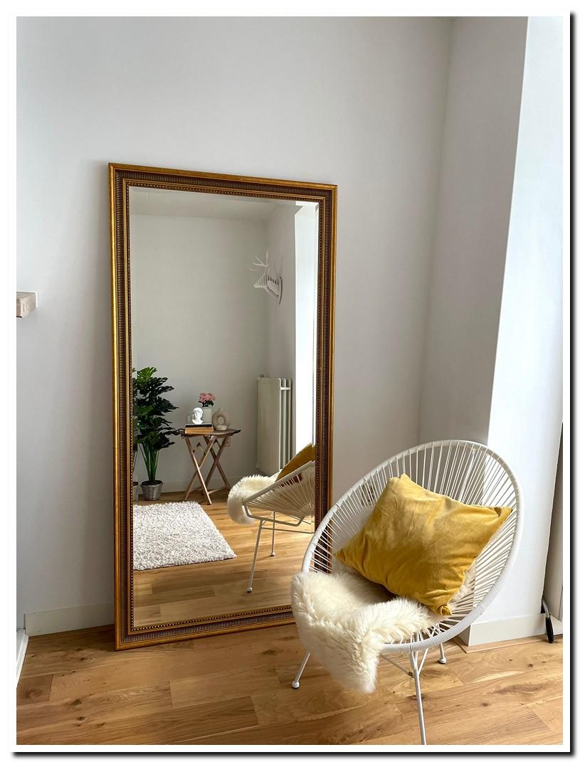 https://foto.barokspiegel.nl/cesarino/Grote-barok-spiegel-antiekgoud-vloerspiegel-in-woonkamer-(2).jpg